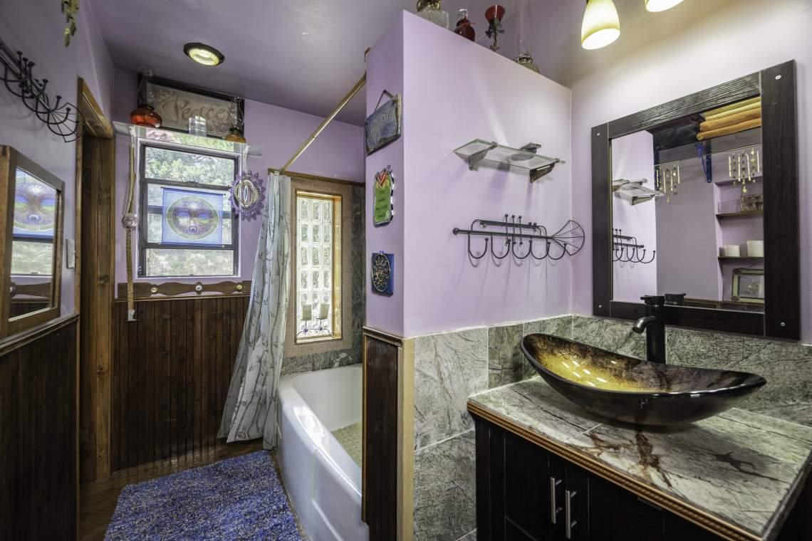Upstairs-Bathroom-Vanity